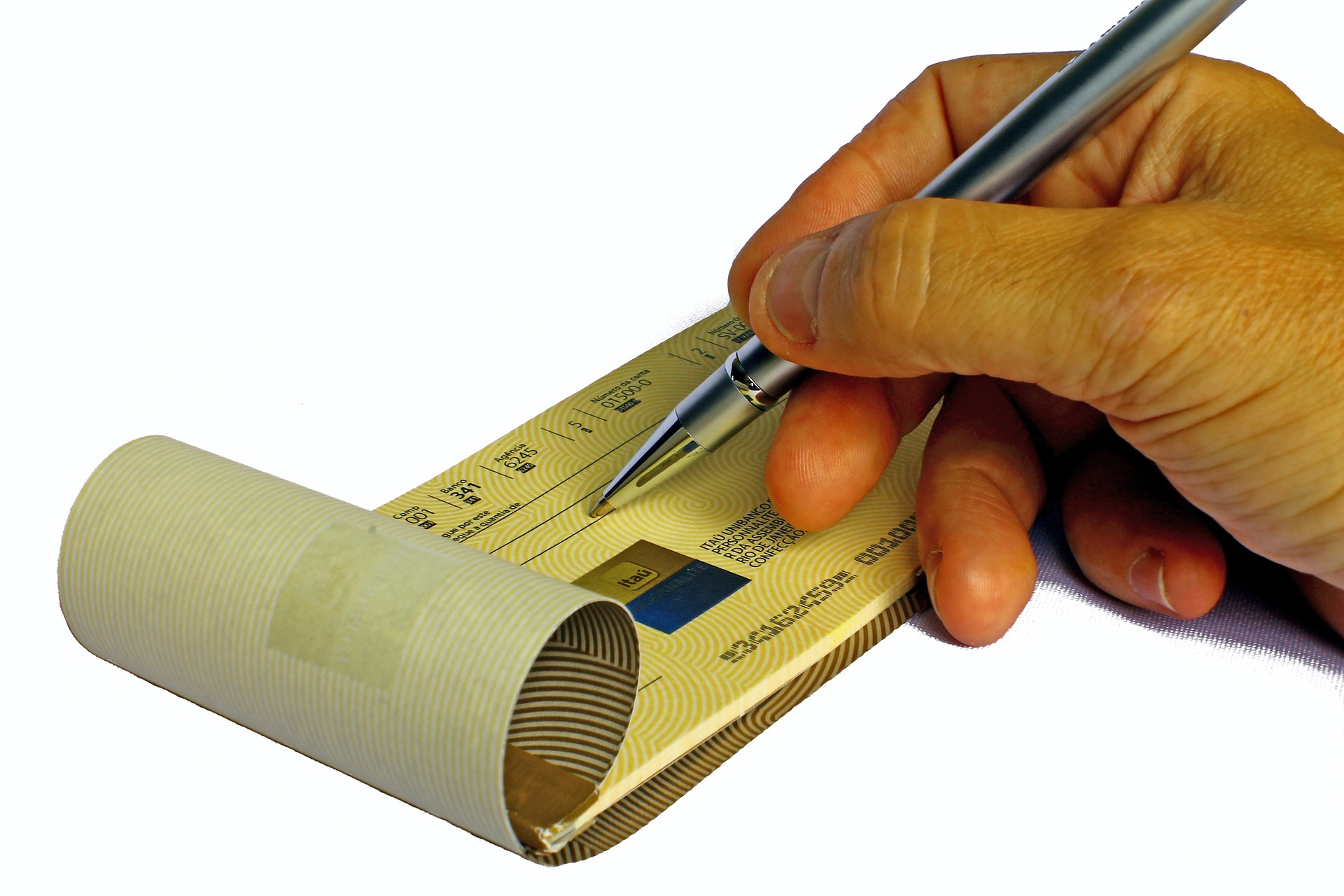 checkbook-688352_1920-1.jpg